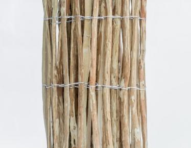 Płot leszczynowy wiązany drutem w rolce